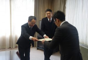 三菱電機SOCIOROOTS基金贈呈式01(小)